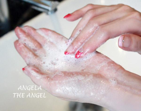 洗顏粉加水起泡拷貝