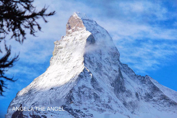 【瑞士旅遊第5天】傲世三大名峰之一馬特洪峰Matterhorn &冰河列車-策馬特~跟著Angela安琪拉看世界