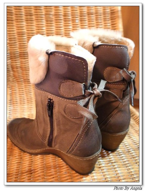 My百搭。毛茸麂皮楔型短靴